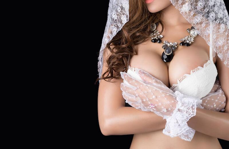 巨乳のセクシー女性